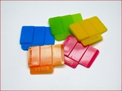 PANTONE  Plastics Opaque Selector Chips