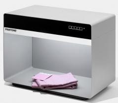 Pantone 5 light Booth D50